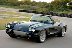 Modern Performance Meets Classic Style on Corvette Magazine Custom Muscle Cars, Chevy Muscle Cars, Custom Cars, Chevrolet Corvette, Old Corvette, Hot Rods, Convertible, Cabriolet, Us Cars