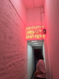 Neon Signs for home, business, wedding, events and etc. Get a quote for a handmade custom neon sign in 24 hours! Brighten up your room with neon light! Photowall Ideas, Neon Quotes, Tout Rose, Neon Aesthetic, Neon Lighting, Light Photography, Happy Photography, Wall Collage, Picture Wall