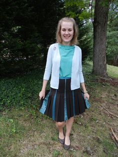 shades of teal and pleats Shades Of Teal, Daily Outfit, Teacher Outfits, Healthy Choices, Skater Skirt, Cute Outfits, Girly, Flats, Skirts