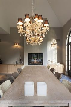 Lights in every space is very vital, specifically in your dining-room to bring back appetite. We will certainly assist you discover a dining room chandelier to create a pleasurable environment. Dining Room Light Fixtures, Dining Room Lighting, Cosy Dining Room, Inside A House, Beautiful Home Designs, Interior Decorating, Interior Design, Cottage Interiors, Simple House