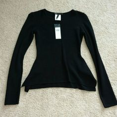 FIRM, Beautiful BCBG Top, Never Worn, Too Small Long Sleeve Beautiful BCBG Sweater NWT, Never Worn BCBG Sweaters Crew & Scoop Necks