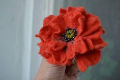 Gros multicouche Orange pavot laine feutrée broche par MaijaFeja