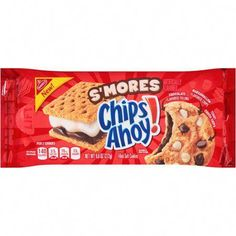 Chocolate Chip and S'Mores Cookies - Cookies Fourrés, Chips Ahoy Cookies, Smores Cookies, Filled Cookies, Cookies Et Biscuits, Chocolate Filling, Chocolate Flavors, Mars Chocolate, Big Chocolate