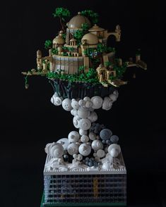City in the Sky by @caleb_saw. Follow @brickinspired for more #LEGO inspiration! #brickinspired Fiber Optic Lighting, Lego Display, Lego Pictures, Amazing Lego Creations, Lego Craft, Lego Builder, City Sky, Lego Castle, Castle In The Sky
