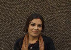 Artesana Sharda Dahal.  Aproximadamente la mitad de nuestro #equipo en Nepal se dedica a la elaboración de bolas de #fieltro, mientras que la otra mitad se encarga de fabricar las alfombras. Varios miembros del equipo ejercen labores de #enseñanza, control de calidad, supervisión y recogida del producto. Si quieres, puedes enviarle un correo electrónico para felicitarla por el esfuerzo y mimo puesto en la elaboración de tu #alfombra. http://www.sukhi.es/conoce-a-nuestro-equipo-en-la-nepal