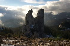 Rarau Mountains: Panoramic Views and Easy Hikes - Uncover Romania Visit Romania, Medieval Town, Amazing Nature, Us Travel, Cinematography, Adventure Travel, Mount Rushmore, National Parks, Hiking
