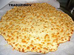 Confira: 2 xícaras de farinha de amêndoa 2 ovos 1 xícara de queijo ralado de escolha (mistura mussarela e parmessao) Ervas secas de escol...