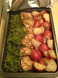 One pan meal-chicken, green beans, red potatoes .......low carb if you swap the potatoes for a veggie