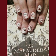 21 Harry Potter Nail Art Designs That Will Leave You Spellbound Harry Potter Nails Designs, Harry Potter Nail Art, Harry Potter Marauders Map, Diy Nail Designs, Halloween Nail Designs, Fall Nail Art, Nail Art Diy, Map Nails, Light Colored Nails