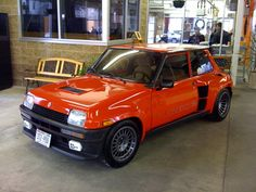 This would be an outrageous car to own. Renault 5 Turbo, Alpine Renault, Renault Sport, Gt Turbo, Fiat Uno, Top Cars, Cute Cars, Japanese Cars, Modified Cars