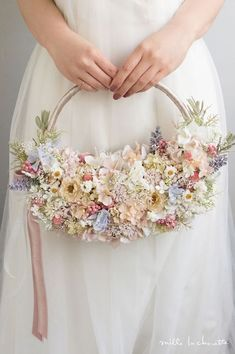 Hoop Bouquets: A Beautiful Bouquet Alternative | see them all on www.onefabday.com #weddingbouquets