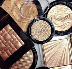 Idée Maquillage 2018 / 2019 : beauty bronzer gold highlight highlighter make up su sets high end makeup Pretty Makeup, Love Makeup, Makeup Inspo, Makeup Inspiration, Glam Makeup, Makeup Kit, Chanel Makeup, Makeup Blog, Bridal Makeup