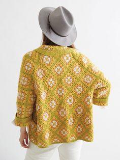 New Crochet Patterns – Crochet Granny Square Sweater Crochet Pattern Granny Square Sweater, Sunburst Granny Square, Granny Square Crochet Pattern, Crochet Squares, Granny Squares, Crochet Granny Square Beginner, Beginner Crochet, Crochet Designs, Crochet Patterns