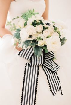 Love the ribbon on this beautiful bouquet.