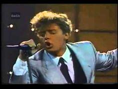 Luis Miguel - Fria Como El Viento - Video Oficial - YouTube