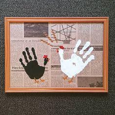 2016.8.27 子供の夏休みの宿題も 終わり、お天気も悪かった ので、お家に飾る手形アートを 子供と作りました ☺ 久しぶりに絵の具が楽しかった! #手形アート#にわとり#鶏 #ペインティングアート #paintingart#手#手形#hand #子供#kids#夏休み#絵の具 #art#フレーム#9歳 #5歳