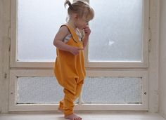 Gelbe Latzhose für Babys und Kinder aus Bio-Baumwolle, Kinderkleidung, Kinderhose / cute yellow dungarees, kids fashion made by plommon via DaWanda.com