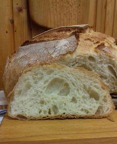 Hozzávalók: Hozzávalók: 300 ml víz (ez lehet kicsivel. Croissant Bread, Bread Bun, Bread Dough Recipe, Apple Cake, Ciabatta, Bread Recipes, Baked Goods, Pavlova, Bakery