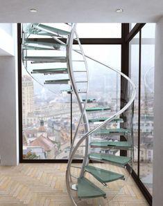 moderne wendeltreppe glas stahl aussicht stadt