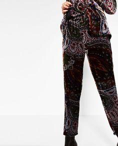 Image 4 de PANTALON FLUIDE EN VELOURS de Zara