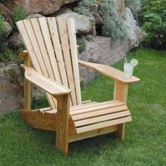 Bauanleitung Adirondack Chair als Gartenstuhl mit Bauplan. Selber bauen mit Foto-Anleitung Schritt-für-Schritt.