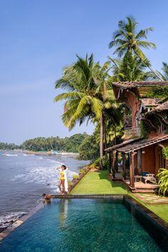 Goa Paradise ! Ancienne enclave portugaise, Goa séduit de nombreux voyageurs avec ses plages, sa température tropicale toute l'année et son patrimoine religieux