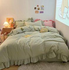 Room Design Bedroom, Room Ideas Bedroom, Bedroom Inspo, Comfy Bedroom, Dream Rooms, Dream Bedroom, Minimalist Room, Aesthetic Rooms, Cozy Room
