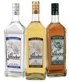 """The reposado is good for """"Pitufo's"""" (Smurf's). Tequila, Squirt, and a squeeze of lime Vodka Gifts, Bourbon Gifts, Whiskey Gifts, Alcohol Gifts, Jimador Tequila, Wine Ratings, Wine Reviews, Tequila Day, In Vino Veritas"""