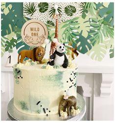 Jungle Birthday Cakes, Jungle Theme Cakes, Animal Birthday Cakes, Safari Cakes, Baby Boy 1st Birthday Party, Baby Birthday Cakes, One Year Birthday Cake, Jungle Safari Cake, Birthday Cake Kids Boys