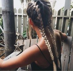 Image about girl in hair envy 🙌 by bbur on We Heart It Looks Style, Looks Cool, Messy Hairstyles, Pretty Hairstyles, Wavy Haircuts, No Bad Days, Good Hair Day, Hair Dos, Gorgeous Hair