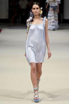 Alexis Mabille Spring/Summer 2018 Ready To Wear | British Vogue