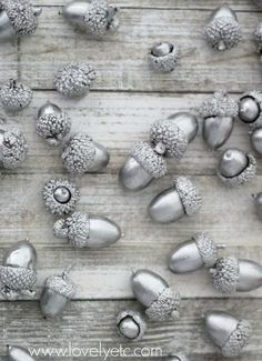holiday decor acorns liquid silver leaf, crafts, seasonal holiday decor Acorns are a fall staple but I really wanted to make them into something really special this year. A little liquid silver leaf and they are beautiful and ready… Acorn Crafts, Leaf Crafts, Fall Crafts, Holiday Crafts, Diy Crafts, Silver Christmas, Christmas Holidays, Christmas Decorations, Christmas Ornaments