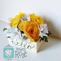 Handmade Flowers, Diy Flowers, Fabric Flowers, Paper Flowers, Paper Flower Decor, Flower Pot Crafts, Flower Decorations, Foam Crafts, Crafts To Do