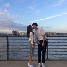 When he closes his eyes even for cheek kiss Cute Couples Goals, Couples In Love, Romantic Couples, Couple Ulzzang, Ulzzang Korean Girl, Korean Couple, Best Couple, Couple Posing, Couple Shoot