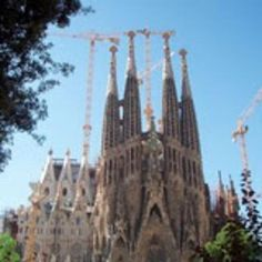 Exclusive Private Gaudi Tour with expert guide. Skip lines at Sagrada Familia, Park Guell and Pedrera (Casa Mila). Gaudi walking tour or chauffeured. Barcelona Site, Barcelona Tours, Barcelona Spain, Best Tapas, The Masterpiece, Group Tours, Ways To Travel, Real Estate Houses, Travelogue