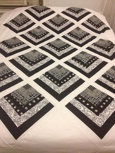Black & White Quarter Log Cabin Quilt by Andy 1167, via Flickr