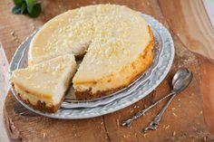 Receita de cheesecake de limão no forno. Descubra como cozinhar cheesecake de limão no forno de maneira prática e deliciosa com a Teleculinária!