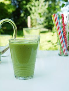 The creamiest green smoothie ever!