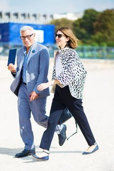 Sofia Coppola wearing custom Valentino on her way to the show in Paris. Street Style, Street Look, Street Chic, Street Fashion, Sofia Coppola Style, Ankle Strap Flats, Ootd, Winter Trends, Work Looks