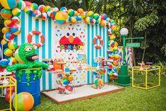 Elmo's Super Splash Birthday Party - Ideas Bonitas Para Beach Ball Birthday, Boys First Birthday Party Ideas, Backyard Birthday, Monster Birthday Parties, Carnival Birthday Parties, 1st Boy Birthday, Splash Party, Sesame Street Party, Sesame Street Birthday