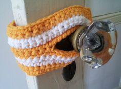 Crochet Dynamite: Life at the Old Farmhouse - Door Bumpers - Keep those interior doors from banging shut. Would be good to use on a baby's door, so they would not wake up or on a toddler's door so they don't lock themselves in.