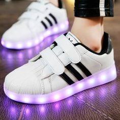 suerte Perdido ingresos  9 ideas de Zapatillas con Luces LED | zapatillas, tenis con luces, zapatos  con luces
