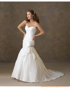 2013 Neues meerjungfrausfömiges Brautkleid aus Taft schulterfreier herzförmiger Ausschnitt mit asymmetrischen Falten und meerjungfrauförmiger Kapelleschleppe