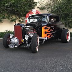 Muscle Truck, Muscle Cars, Vintage Cars, Antique Cars, Motorcycle Paint Jobs, American Graffiti, Traditional Hot Rod, Classic Hot Rod, 32 Ford