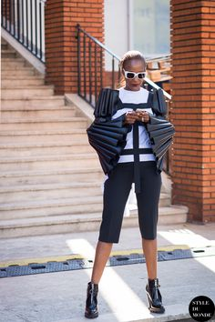 #New on #STYLEDUMONDE http://www.styledumonde.com with @michelle_elie #MichelleElie at #paris #fashionweek #pfw #outfit #ootd #streetstyle #streetfashion #streetchic #streetsnaps #fashion #mode #style