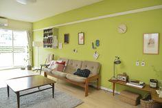 鮮やかな緑の壁紙が目を引く、カスタマイズ例