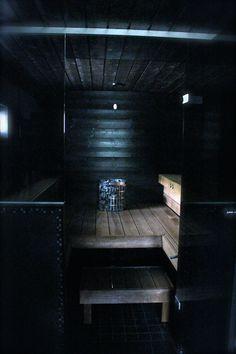 Saunan käsittely mustaksi Tikkurilan Supi Saunasuoja, sävy: Piki. Laudepaketti Sun Sauna, lämpökäsitelty tuija, jossa öljy suoja-aineena. Kiuas ja autodose järjestelmä Harvia. Lasiseinä Lasituspalvelu Pihlavamäki, Muurame.