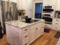 Kitchen Tops, Kitchen Island, Facebook, Home Decor, Island Kitchen, Decoration Home, Room Decor, Kitchen Desks, Home Interior Design