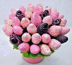 Fresas rosas con chocolate
