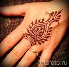 рисунки мехенди на руке - фото временной тату хной 3463 tatufoto.ru